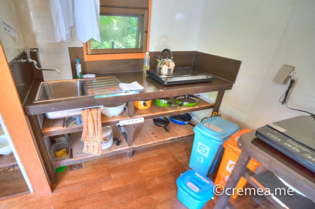 流しと調理器具とゴミ箱|SONY α7Ⅲで撮影