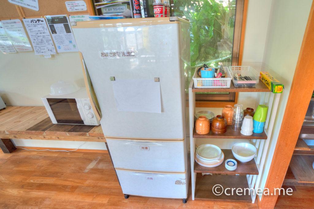 冷蔵庫と食器類|SONY α7Ⅲで撮影
